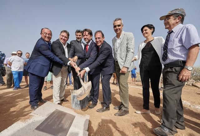 The ceremonial foundation stone is unveiled at the site of the Circuito del Motor de Tenerife.